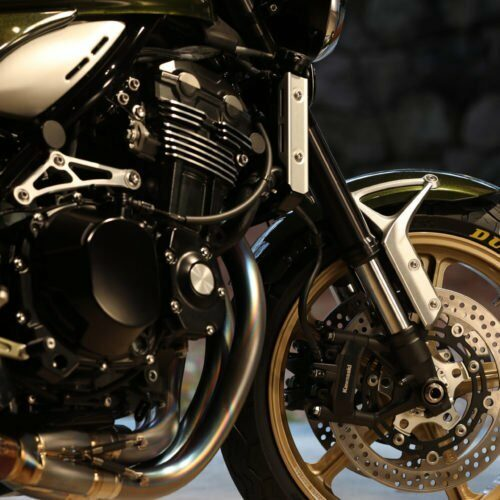 Z900RS_フロントまわり_Around_Front_Zoom_屋内_In_House-1-500px
